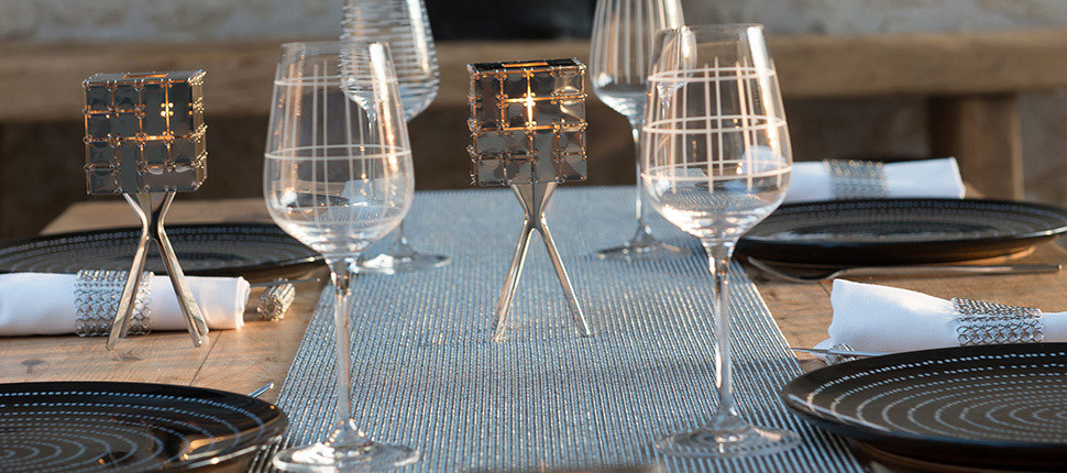 Chainmail table runner