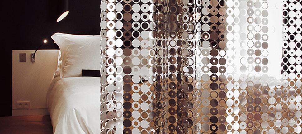 Bubble curtain
